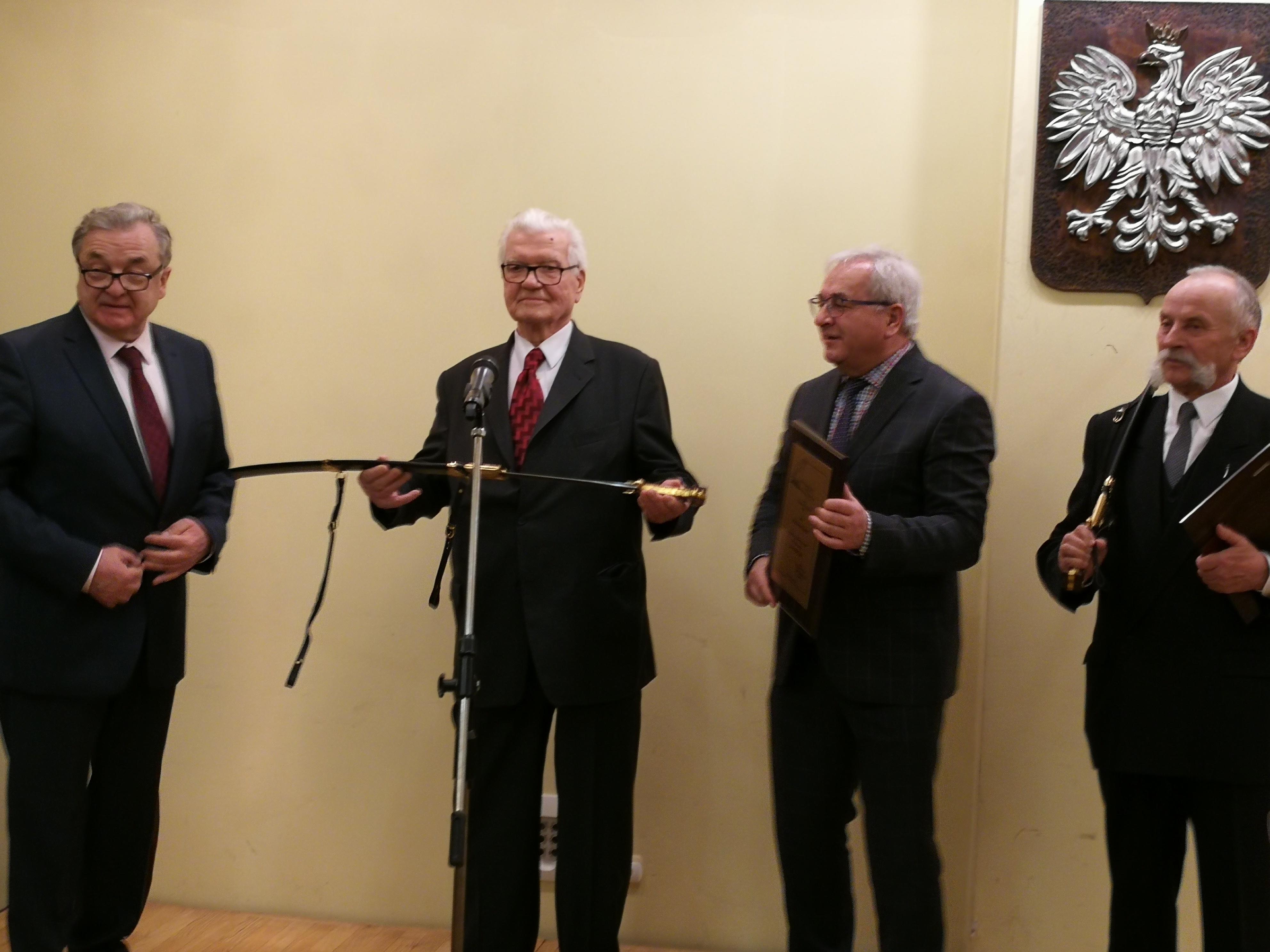 Zdzisław Kłos został uhonorowany szablą Kilińskiego